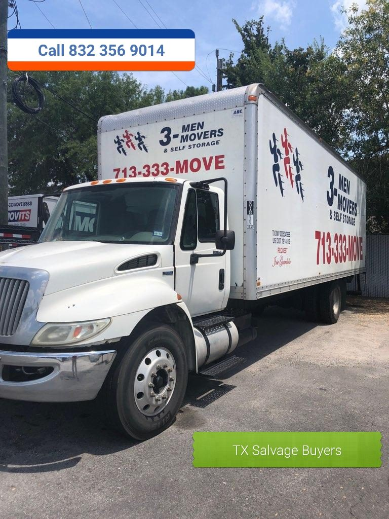 Salvage Box Truck Buyers