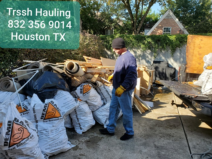 Trash hauling Houston Texas
