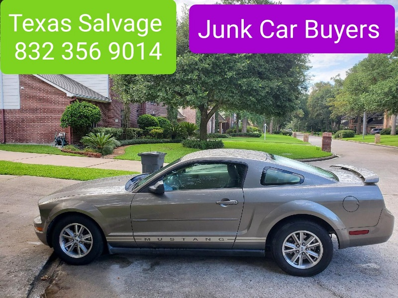 We buy junk cars for cash in Downtown Houston